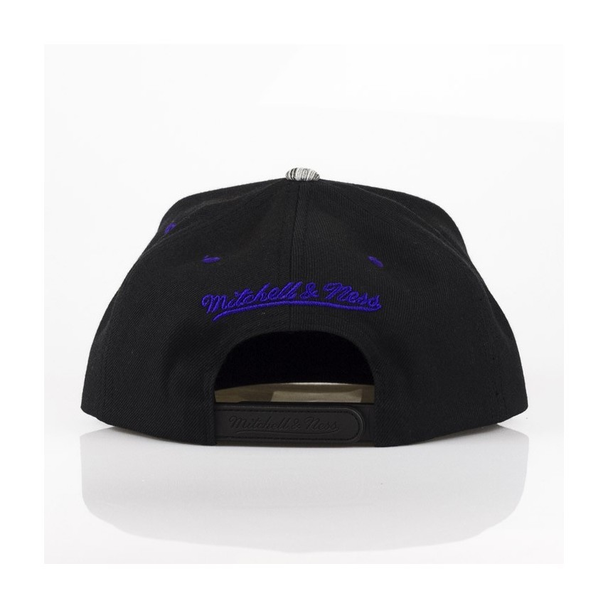 Mitchell-Ness-Los-Angeles-Lakers-Motion-Snapback-S.jpg time 1546527629 5cff92dcb4